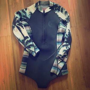 Billabong womens wetsuit